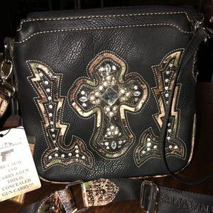 Montana West NWT Bling and Carry Crossbody